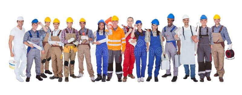 Grupo de trabajadores de construcción fotografía de archivo libre de regalías