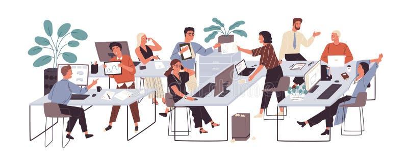 Grupo de trabalhadores de escritório que sentam-se em mesas e que comunicam-se ou que falam entre si Diálogos ou conversações no  ilustração stock
