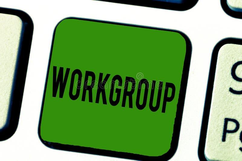 Grupo de trabalho do texto da escrita Conceito que significa o grupo de mostrar a quem normalmente o trabalho junto Team Coworker imagens de stock royalty free