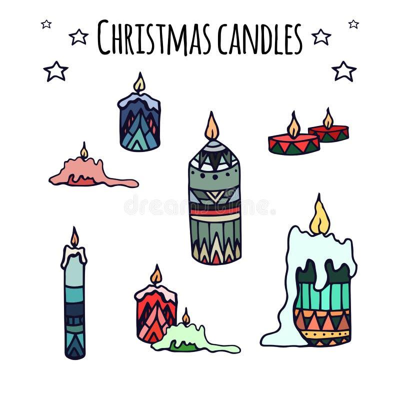 Grupo de velas desenhados à mão coloridas do Natal da garatuja ilustração royalty free