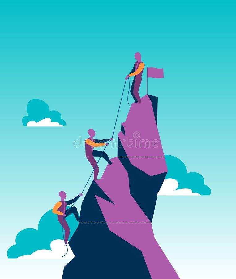 Grupo de vendedores em uma montanha que tenta alcançar o pico fotografia de stock royalty free