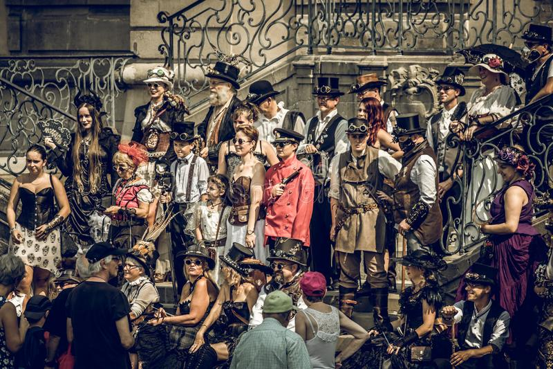 Grupo del convenio de Steampunk imagen de archivo