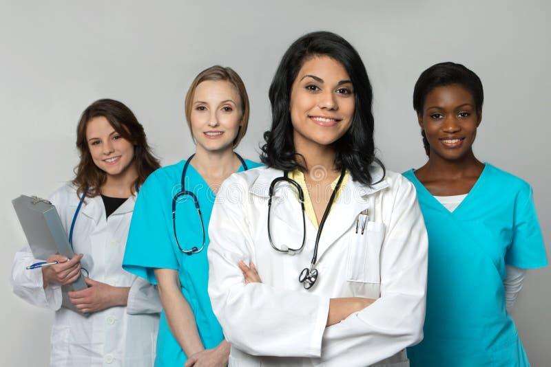 Grupo diverso de profesionales de la atención sanitaria fotografía de archivo