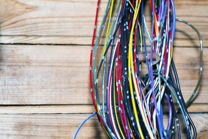 Grupo do cabo na subestação Fios elétricos imagens de stock royalty free