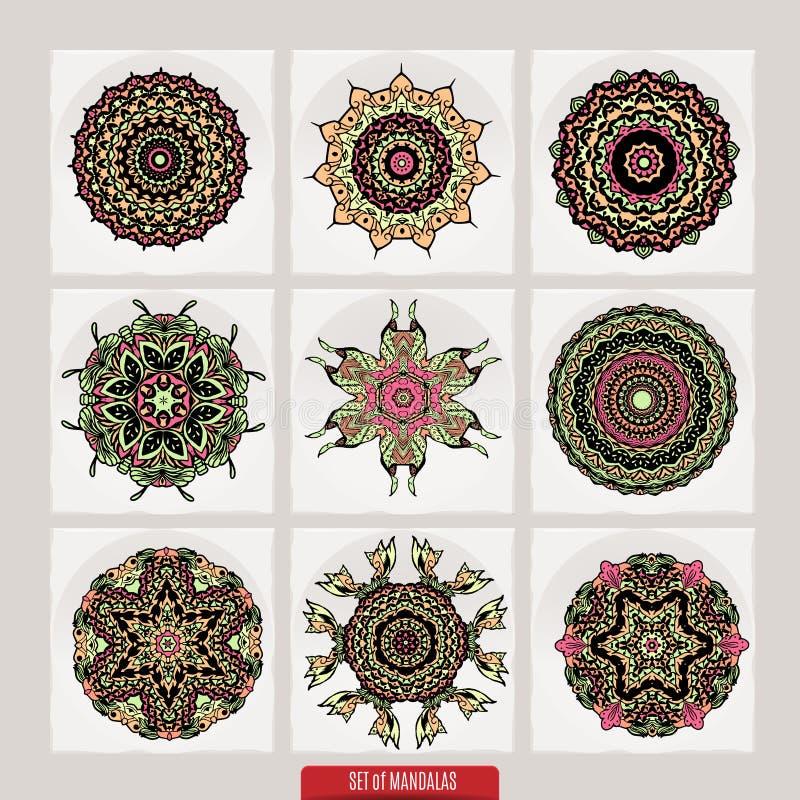 Grupo do vetor de elementos florais da hena baseados em ornamento asiáticos tradicionais Paisley Mehndi rabisca a coleção ilustração do vetor