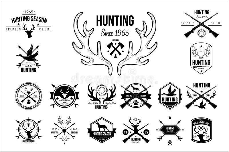 Grupo do vetor de emblemas do vintage para o clube de caça Etiquetas originais do monochrome com as silhuetas dos cães, rifles da ilustração royalty free