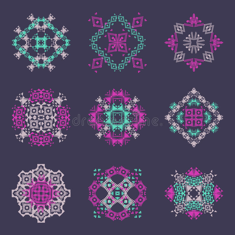 Grupo do vetor de testes padrões decorativos coloridos tribais para o projeto Estilo decorativo asteca ilustração do vetor