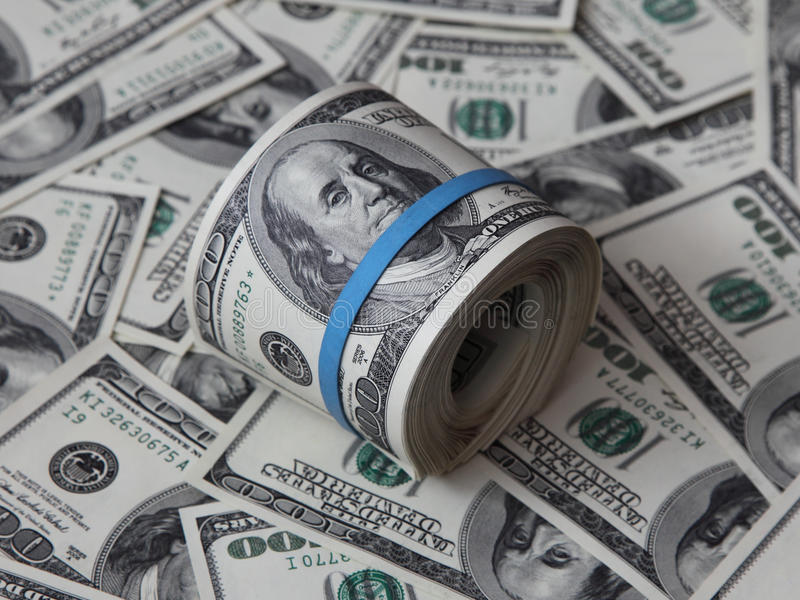 Grupo Dobrado De Notas De Dólar Do Americano Cem Fotos de Stock Royalty Free