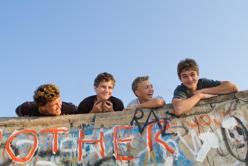 Grupo dos meninos imagens de stock