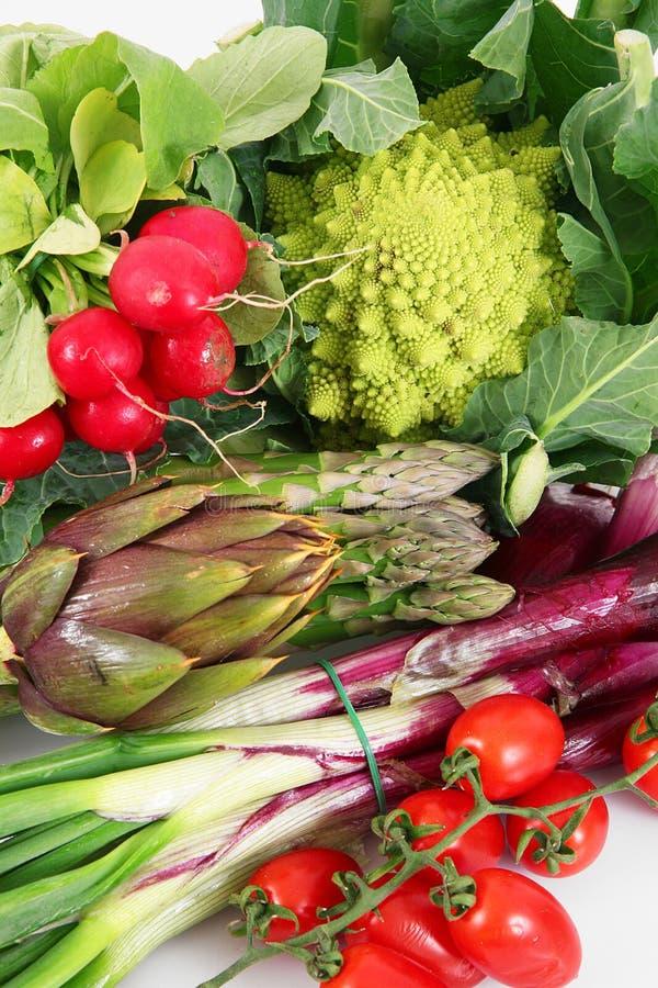Grupo fresco de verduras en el fondo blanco fotos de archivo