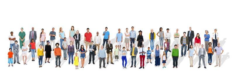 Grupo grande de gente multiétnica con diversos empleos fotos de archivo libres de regalías