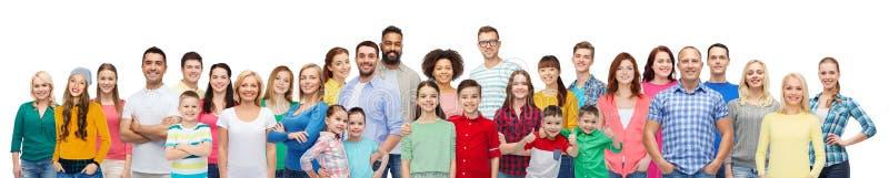 Grupo internacional de gente sonriente feliz fotografía de archivo