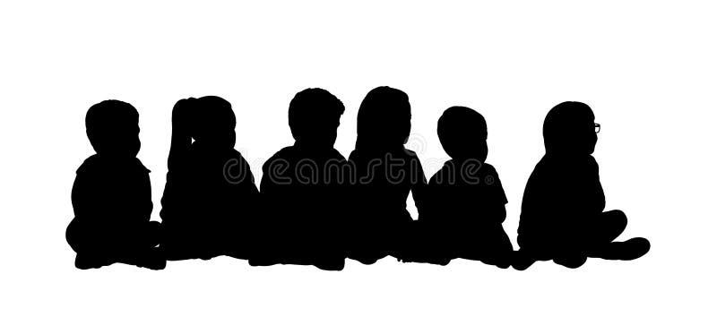 Grupo medio de la silueta asentada niños 5 ilustración del vector