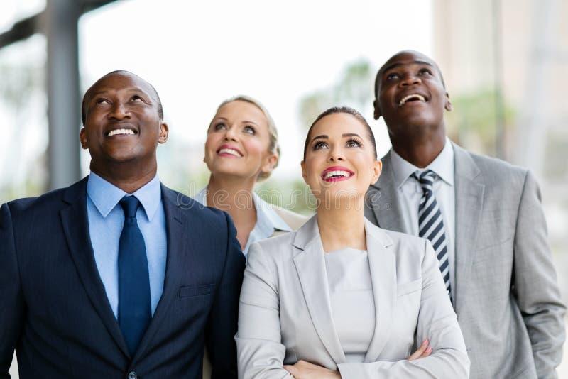 Grupo multicultural que olha acima fotografia de stock royalty free
