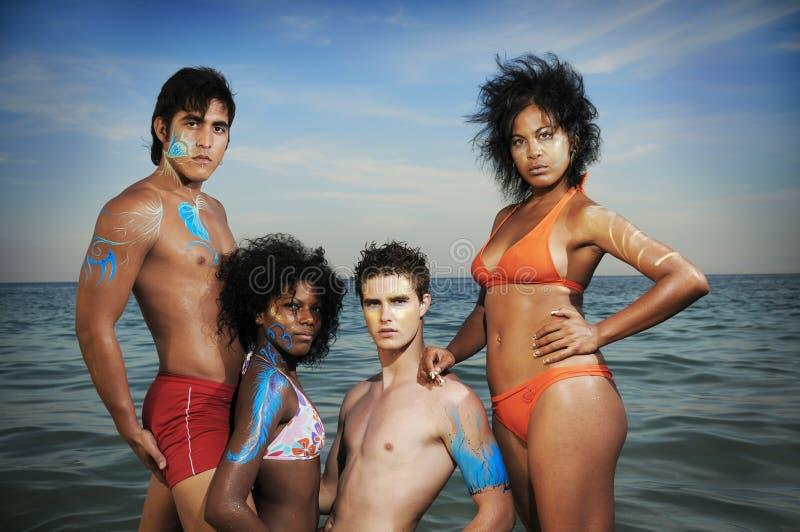 Grupo Multiracial de amigos imagens de stock