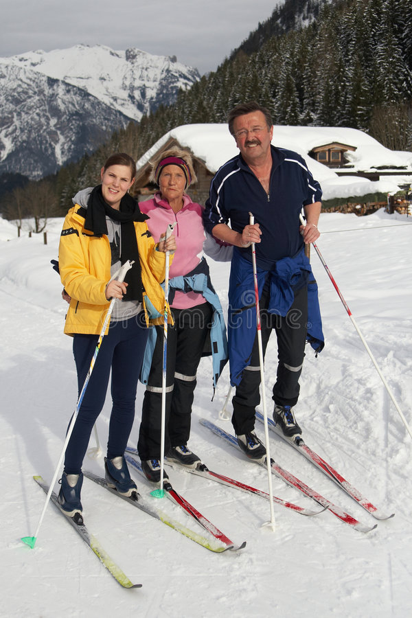 Grupo no inverno foto de stock royalty free