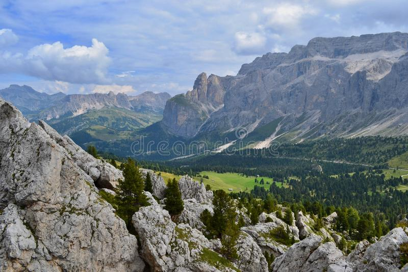 Grupo Sella, macizo en forma de meseta en los Dolomitas foto de archivo libre de regalías