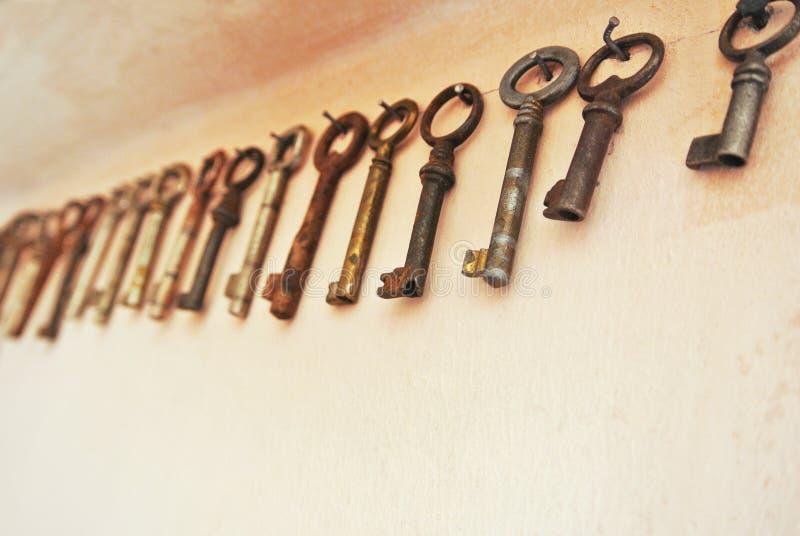 Grupo velho clássico da chave da decoração do vintage foto de stock