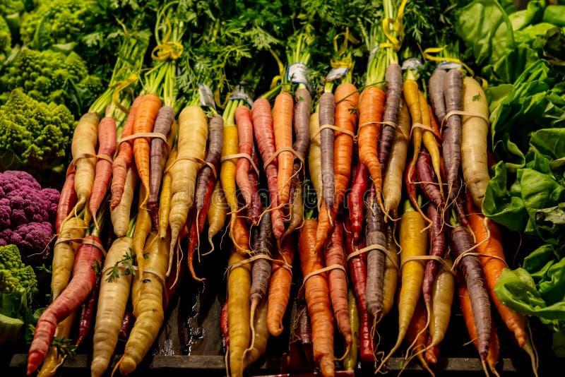 Grupos das cenouras para a venda fotos de stock royalty free