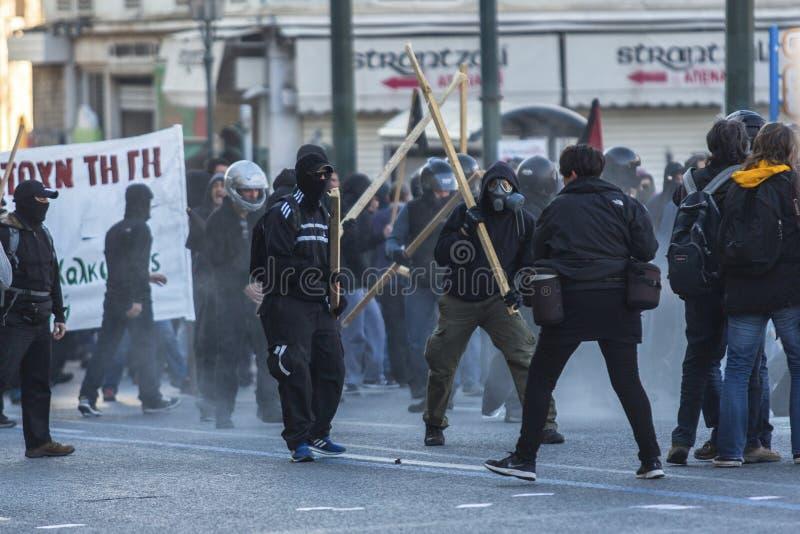 Grupos do de esquerdas e do anarquista que procuram a abolição de prisões máximas novas da segurança, discordada com a polícia de imagens de stock royalty free