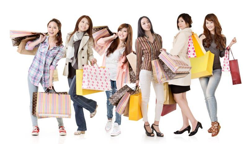 Grupp av asiatiska shoppingkvinnor arkivfoton