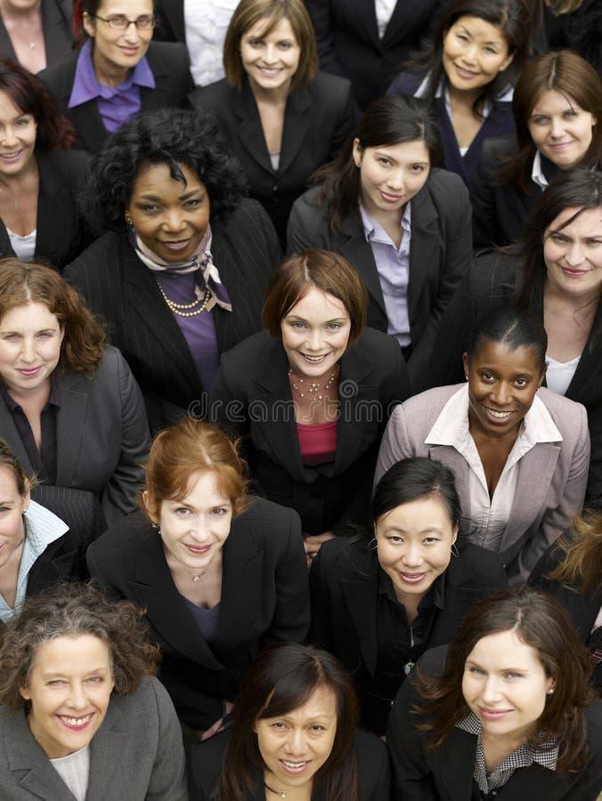 Grupp av att le affärskvinnor royaltyfri foto