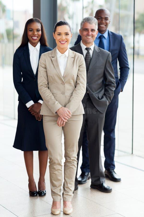 Grupp av businesspeoplekontoret royaltyfria foton
