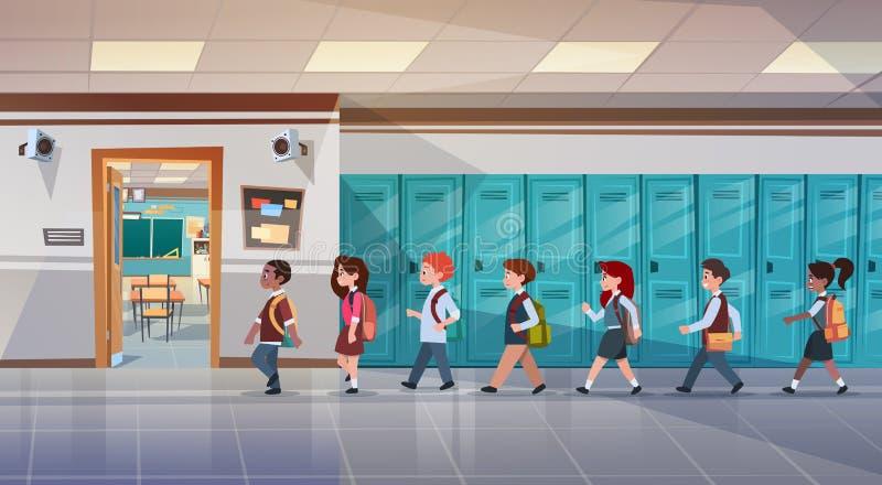 Grupp av elever som går i skolakorridor till grupprum, blandningloppskolbarn stock illustrationer