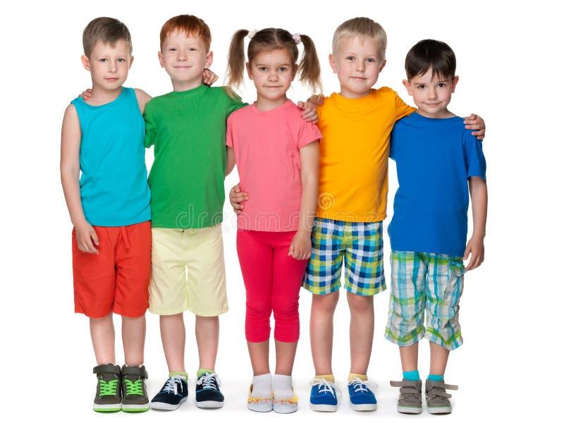 Grupp av fem modebarn fotografering för bildbyråer