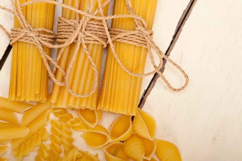 Grupp av italiensk pastatyp arkivfoto
