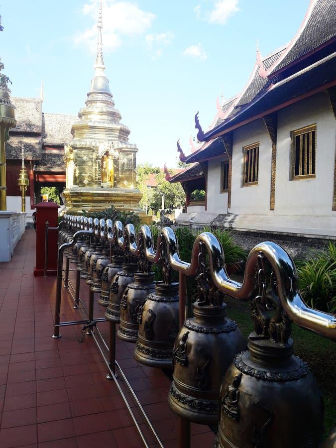 Grupp av klockor i Chiang Mai, Thailand arkivfoton