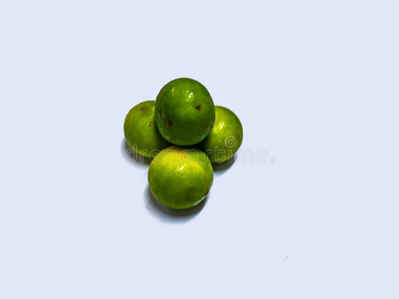 Grupp av limefrukt på isolerad bakgrund royaltyfria foton