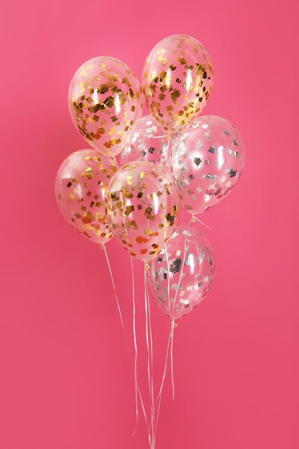 Grupp av ljusa ballonger royaltyfri fotografi