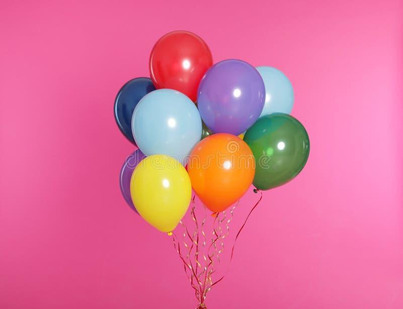 Grupp av ljusa ballonger arkivfoto
