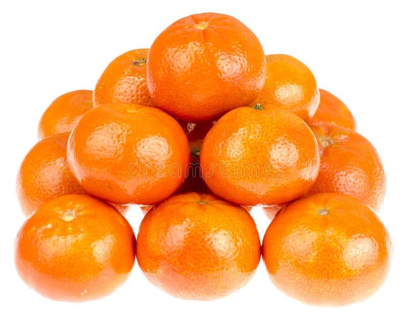 Grupp av mogna orange clementines som isoleras på vit bakgrund royaltyfria foton