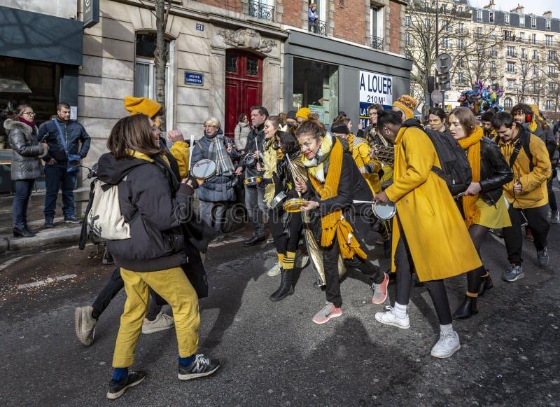 Grupp av Musicants - Carnaval de Paris 2018 royaltyfri foto