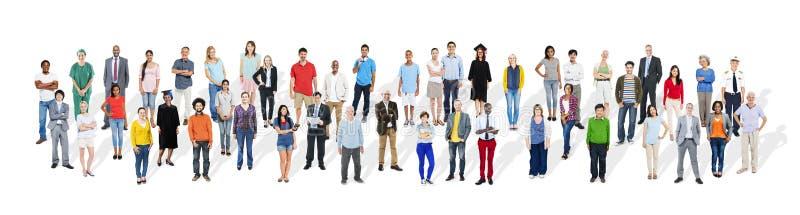 Grupp av olikt multietniskt folk med olikt jobbbegrepp arkivbilder