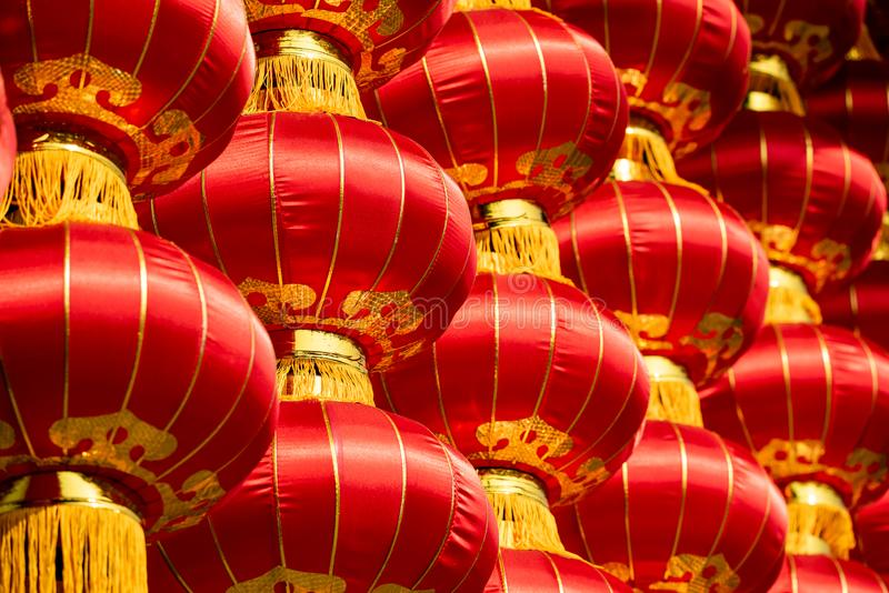 Grupp av röda kinesiska lyktor royaltyfri fotografi
