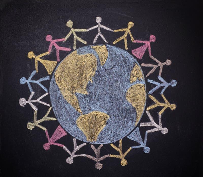 Grupp människor runt om världen arkivbild