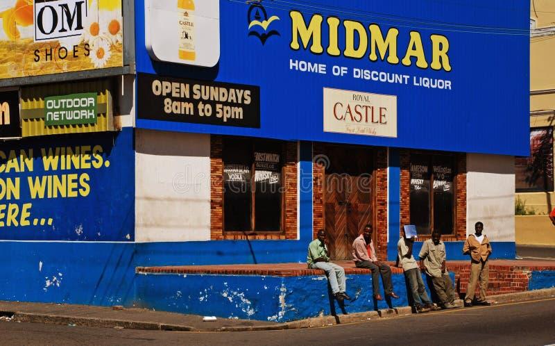 Download Gruppe Arbeitslose Männer In Kapstadt, Südafrika Redaktionelles Stockfoto - Bild von redaktionell, arbeitslos: 27729873