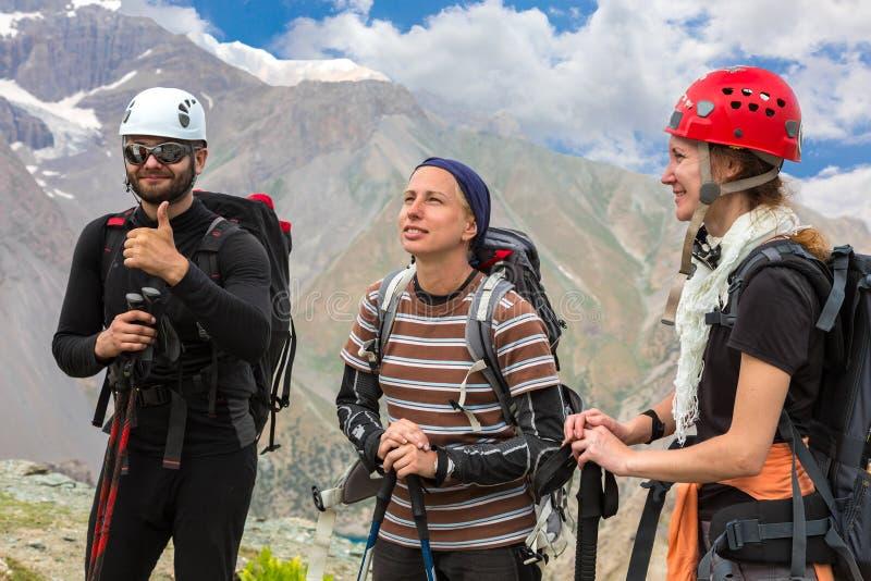 Gruppe Bergsteiger stockfotografie