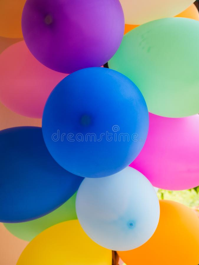 Gruppe bunte Ballone lizenzfreie stockfotografie