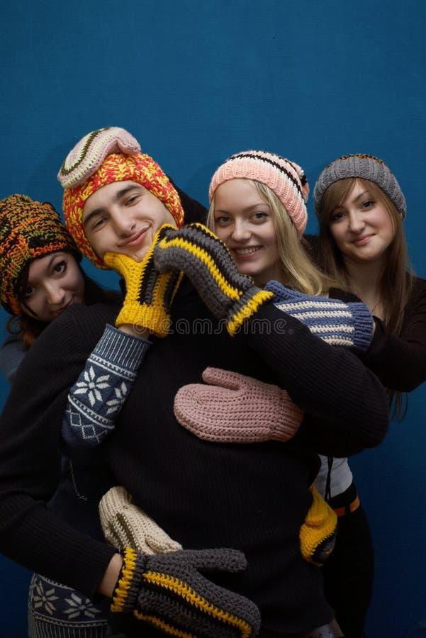 Gruppe der Mädchen und des Jungen stockfoto