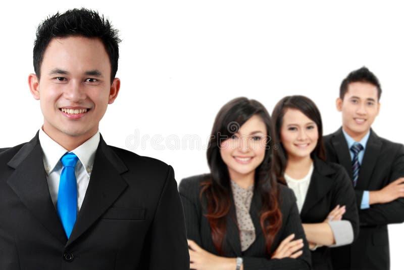 Gruppe des asiatischen jungen Wirtschaftlers, lokalisiert im weißen backgroun stockbilder