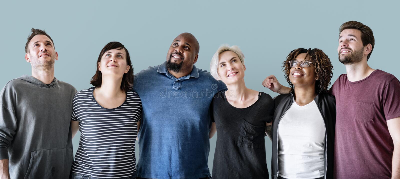 Gruppe des Freunds zusammen stehend als Teamwork lizenzfreie stockfotografie