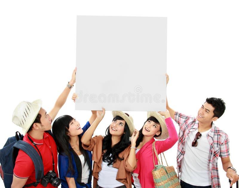 Gruppe des jungen Touristen lizenzfreie stockfotos