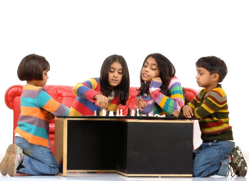 Gruppe des Kindspielens lizenzfreie stockbilder
