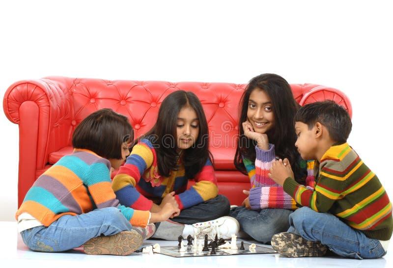 Gruppe des Kindspielens lizenzfreie stockfotos