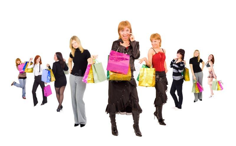 Gruppe Einkaufenmädchen lizenzfreie stockbilder