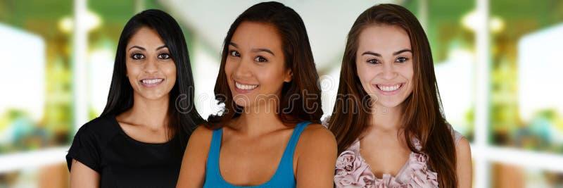 Gruppe Frauen stockbild